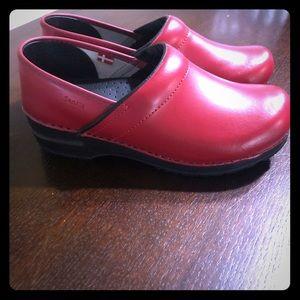 Red sanita clogs! Never worn